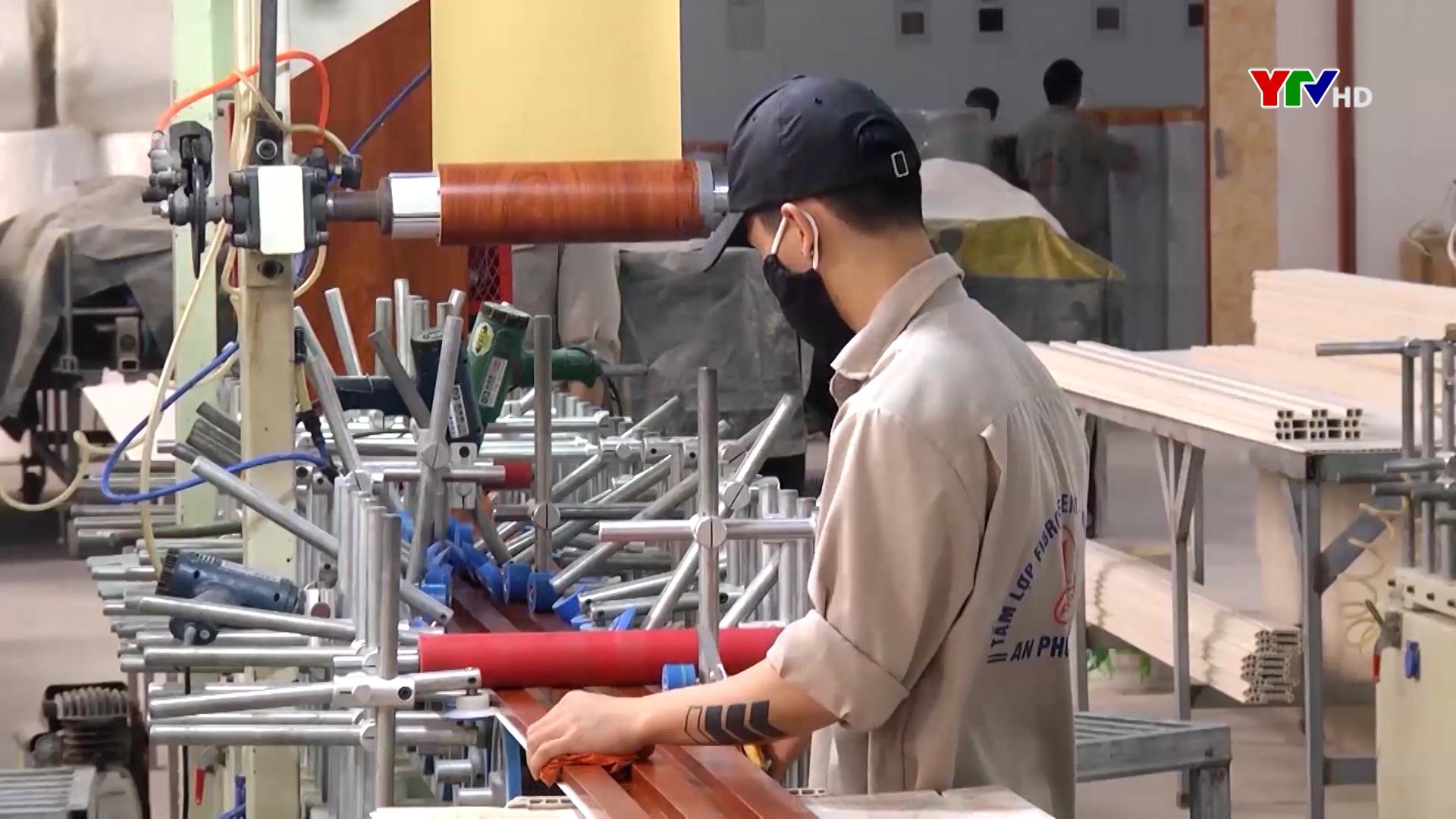 Toàn tỉnh tạo việc làm cho 7.400 lao động