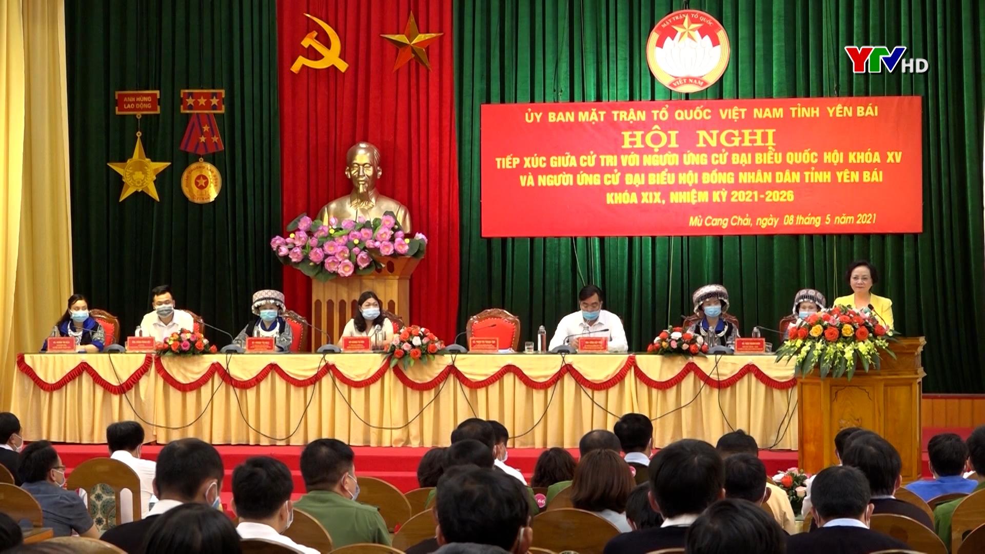 Hội nghị tiếp xúc cử tri tại huyện Mù Cang Chải