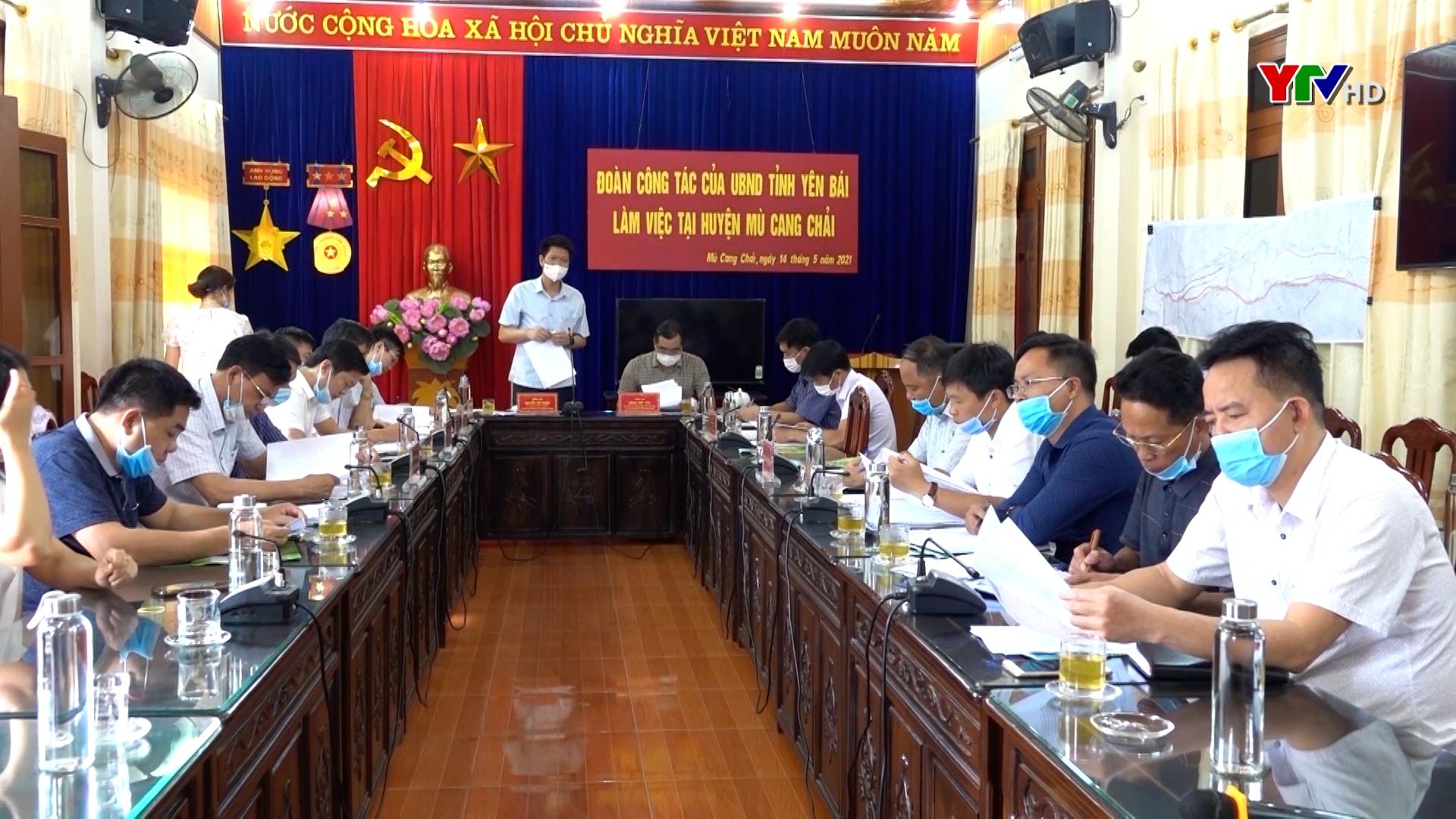 Đồng chí Nguyễn Thế Phước - Phó Chủ tịch Thường trực UBND tỉnh làm việc tại huyện Mù Cang Chải