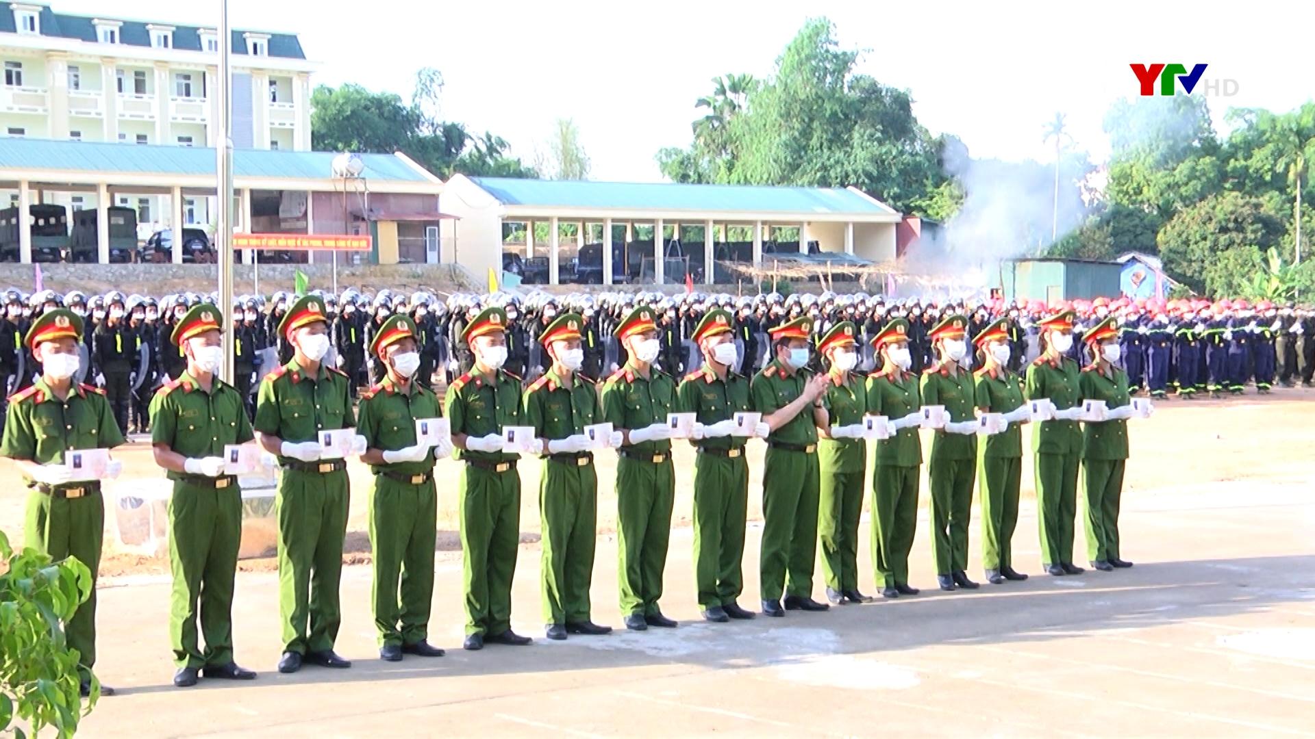 Bế giảng khóa huấn luyện công dân thực hiện nghĩa vụ tham gia Công an nhân dân