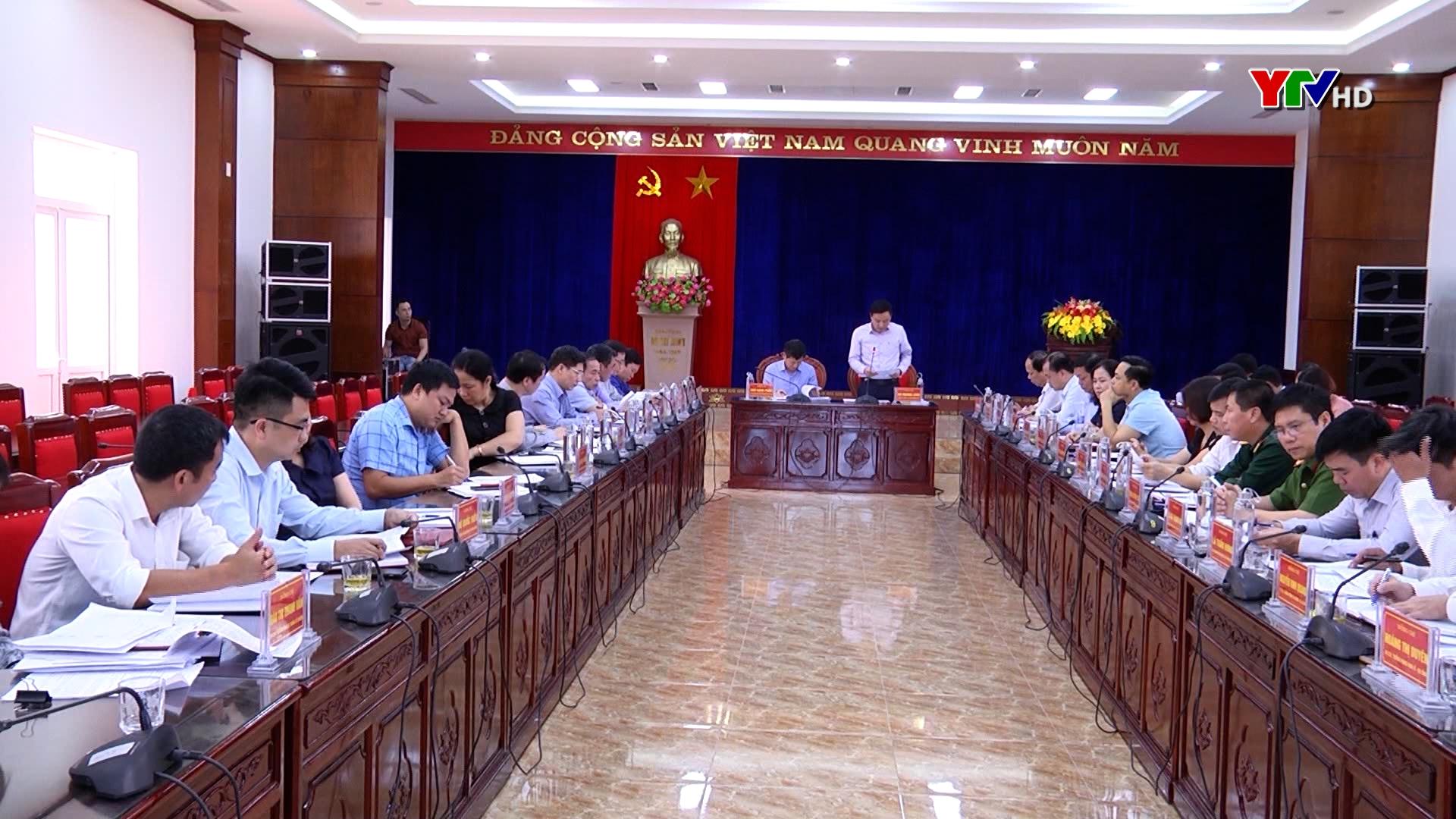 Đồng chí Ngô Hạnh Phúc - Phó Chủ tịch UBND tỉnh làm việc tại huyện Yên Bình