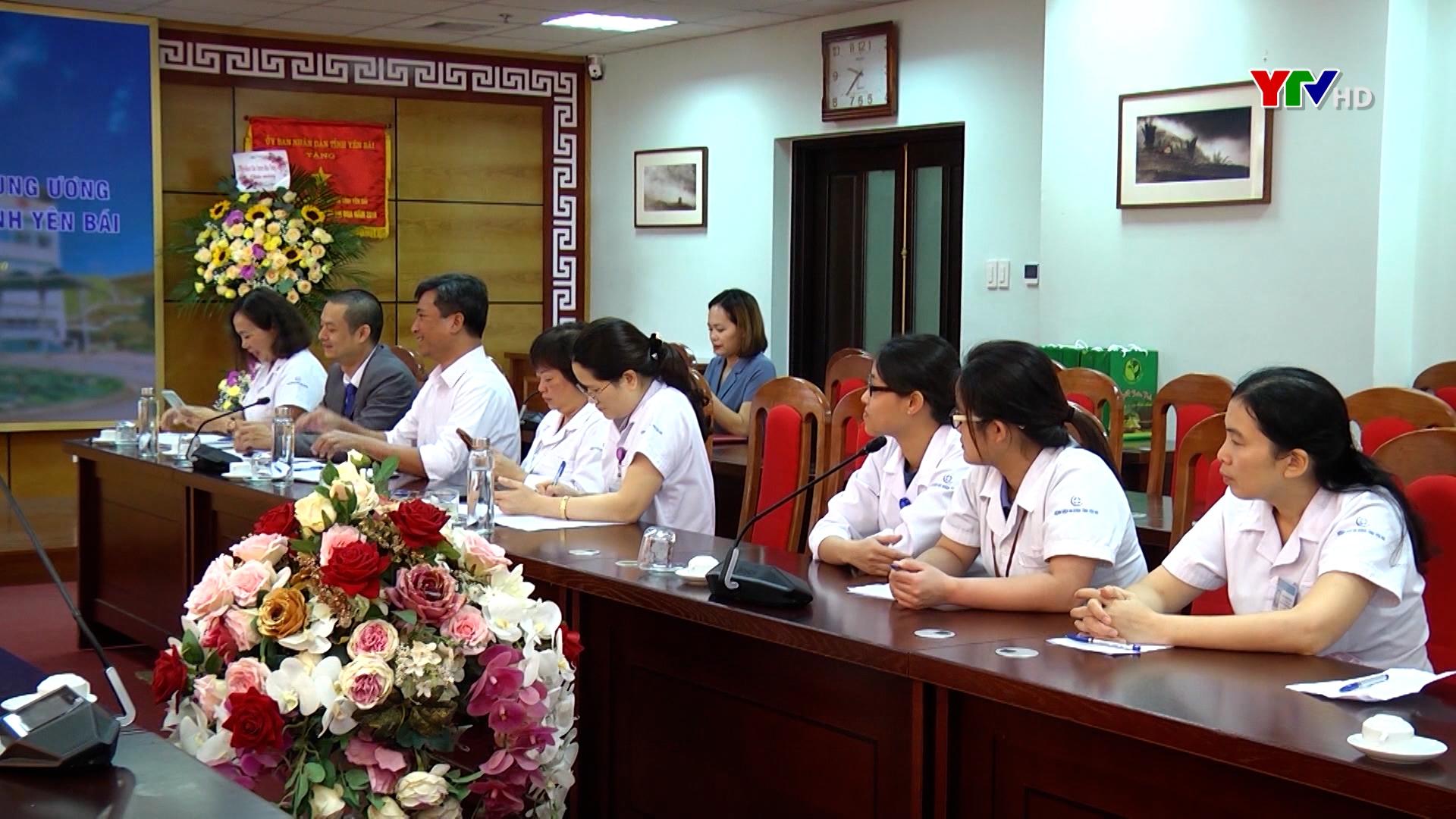 Đoàn công tác của Viện Huyết học - Truyền máu Trung ương làm việc với Bệnh viện đa khoa tỉnh
