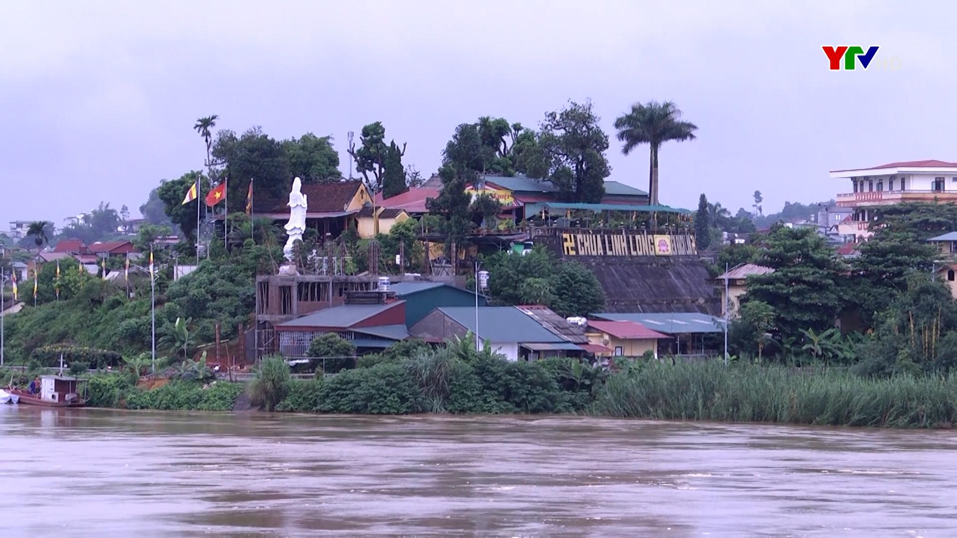 Lũ sông Thao tại Yên Bái lên cao cảnh báo lũ quét và sạt lở đất