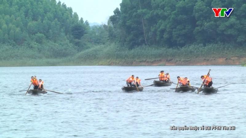 51 đội tham gia Hội đua thuyền nan trên hồ Thác Bà năm 2019