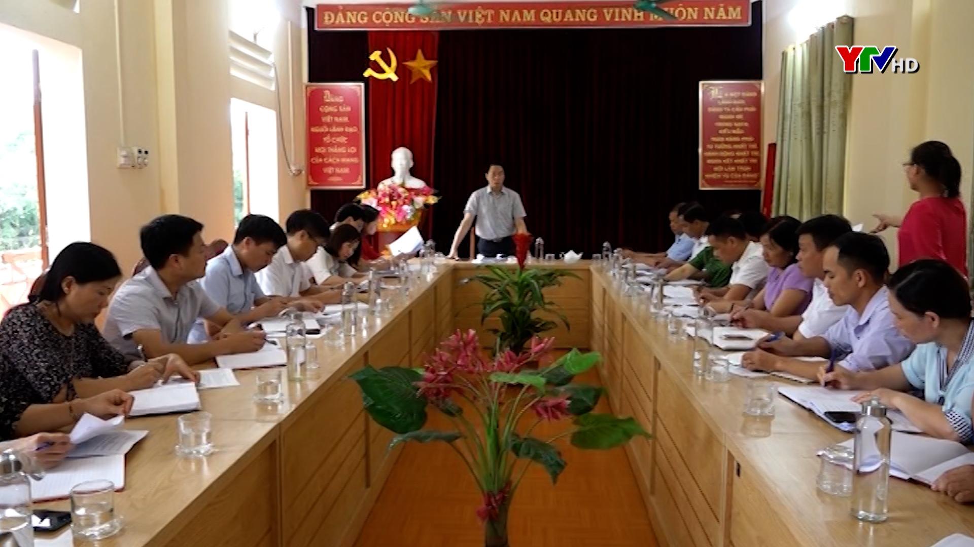 Cán bộ, đảng viên và nhân dân huyện Văn Yên đóng góp vào Dự thảo các Văn kiện Đại hội XIII của Đảng